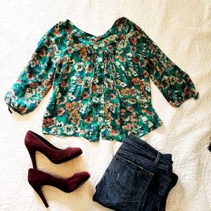 Floral blouse with buttons